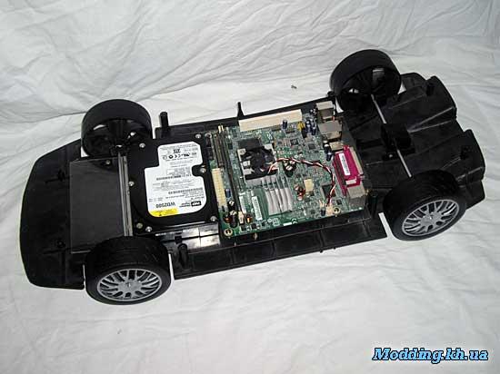 Моддинг на базе машинки и Mini-ITX материнской платы.